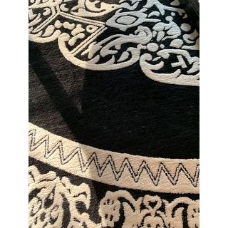 Safavieh Handmade Marbella Alien Modern Polyester Rug