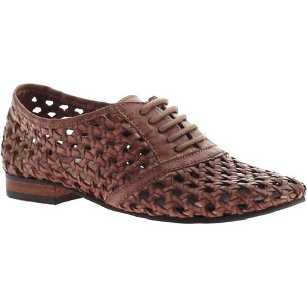 bd4b6e6335325d Shop OTBT Women s Uleta New Tan Leather - On Sale - Free Shipping Today -  Overstock.com - 10209587