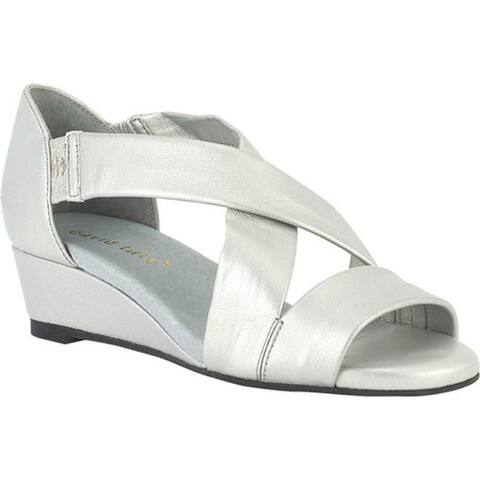 a9874e47615c David Tate Women s Swell Wedge Sandal Silver Lambskin