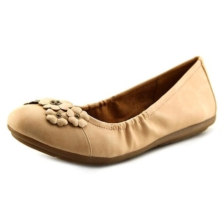 Naturalizer Utopia N/S Round Toe Synthetic Flats