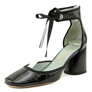 Marc Jacobs Elle   Round Toe Patent Leather  Heels