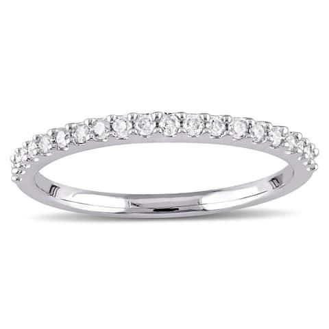 Stackable 10k White Gold 1/5ct TDW Diamond Wedding Band by Miadora