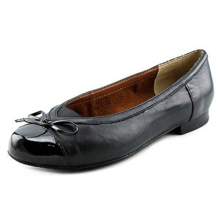 Ros Hommerson Oriel Round Toe Leather Flats