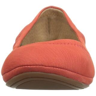 820cb4c44 Lucky Brand Womens Emmie Closed Toe Slide Flats