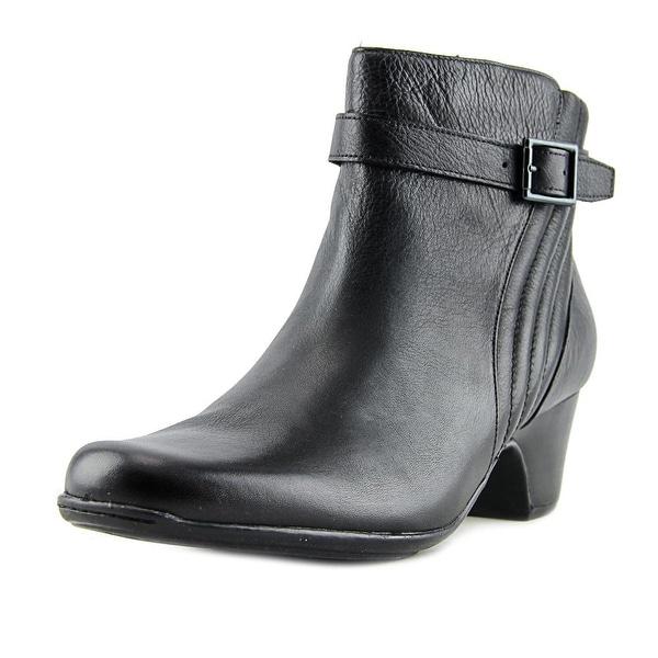 Clarks Artisan Leyden Scale Women N/S Round Toe Leather Black Bootie