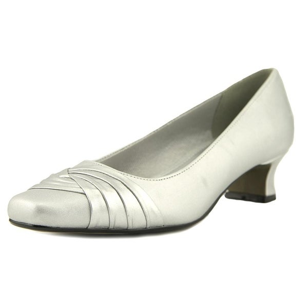 Easy Street Tidal Silver Pumps