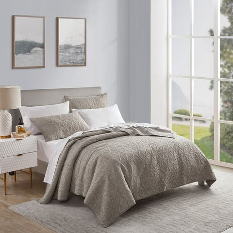 Beaute Living Space Dyed 3 Piece Quilt Set