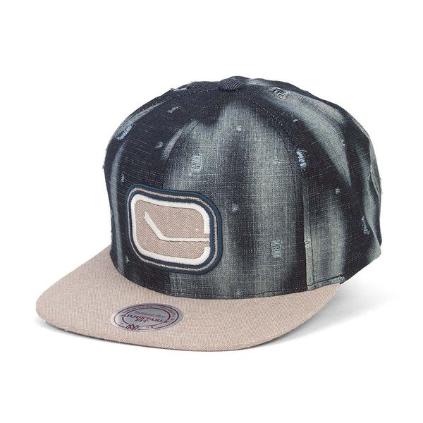 Mitchell /& Ness Vancouver Canucks Torn Denim Snapback