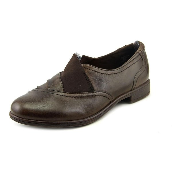 Earth Stratton Women Round Toe Leather Loafer