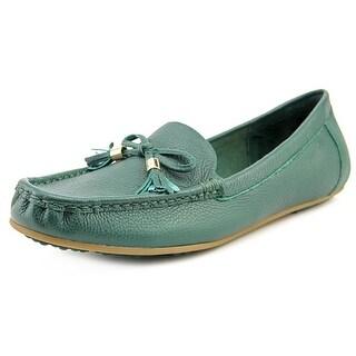 Isaac Mizrahi Amy Women Moc Toe Leather Loafer