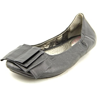 Me Too Lilyana Women Round Toe Leather Black Ballet Flats