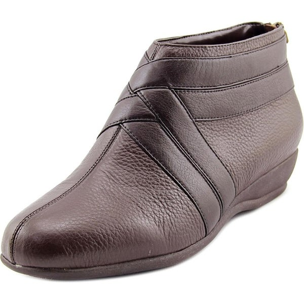 Trotters Latch Women N/S Round Toe Synthetic Brown Bootie