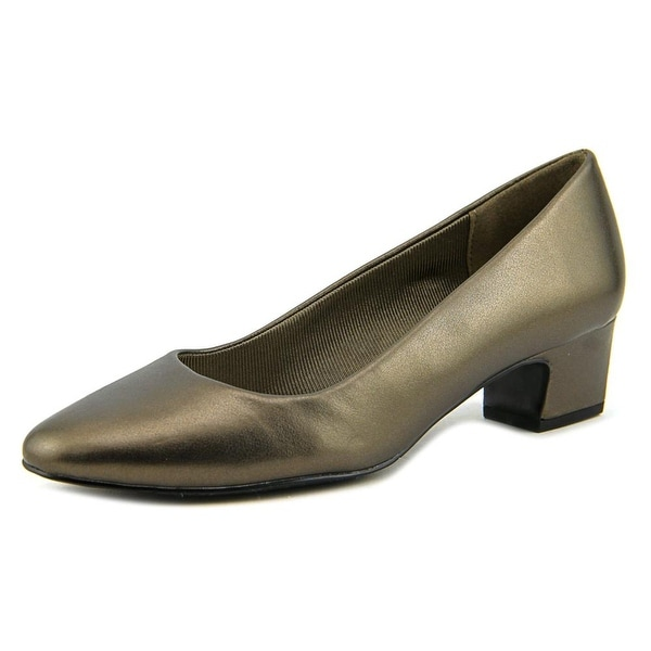 Easy Street Prim Pewter Pumps