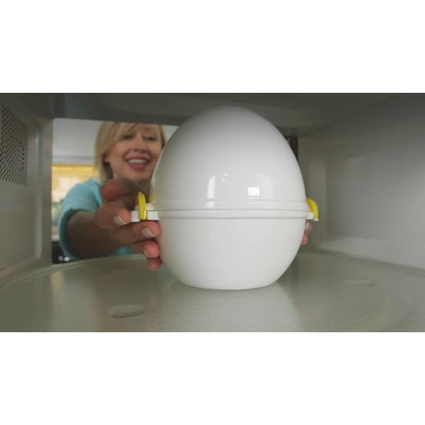 Microwave Egg Cooker that Perfectly Cooks Eggs and Detaches the Shell