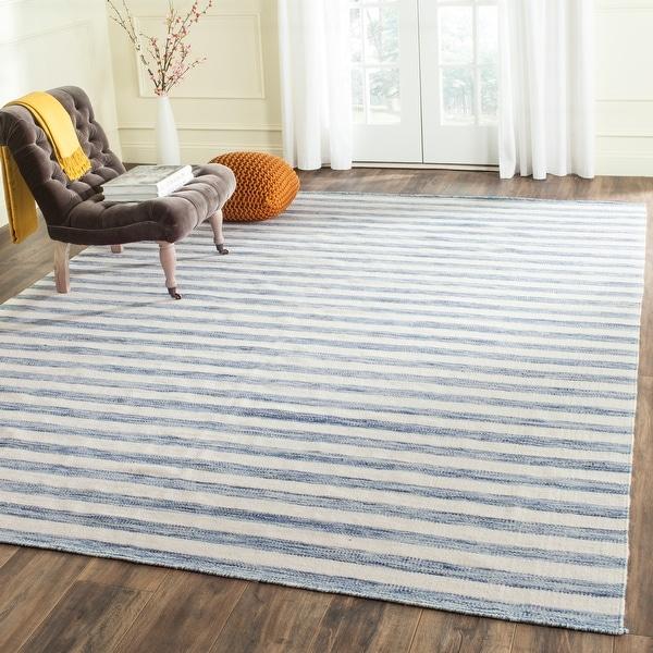 Safavieh Handmade Flatweave Dhurries Drema Modern Wool Rug. Opens flyout.