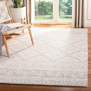 Safavieh Handmade Micro-Loop Oliviera Wool Rug