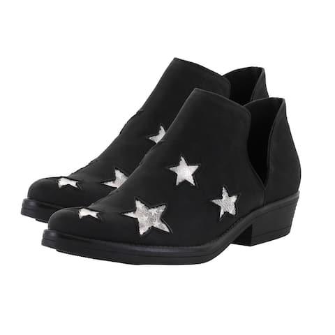 Seven7 Side Cut Outs Memory Foam Austin Ankle Boot in Black Size 8.00