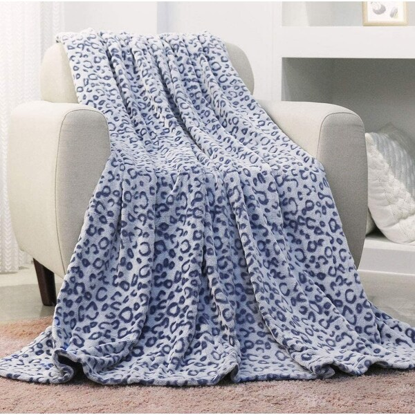 INNOVAZE Flannel Fleece Throw Blanket, Lightweight Cozy Plush Microfiber Bedspreads for Adults,Blue. Opens flyout.