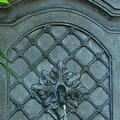 Sunnydaze Rosette Leaf Outdoor Wall Fountain, 31 Inch Tall - Thumbnail 2