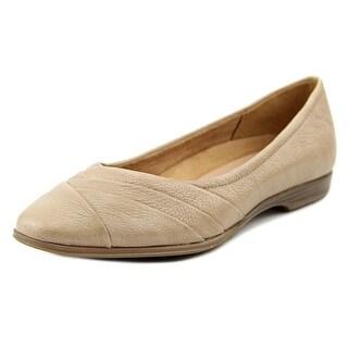 Naturalizer Jaye Women W Round Toe Leather Tan Flats