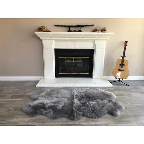 """Dynasty Natural 4-Pelt Luxury Long Wool Sheepskin Grey Shag Rug - 3'6"""" x 5'6"""""""