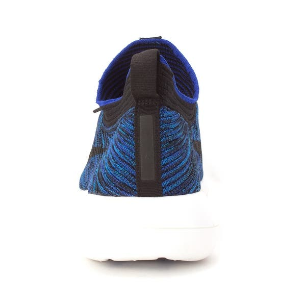 online retailer 126f2 5b043 Shop Nike Mens Roshe Two Flyknit V2 Low Top Lace Up Running ...