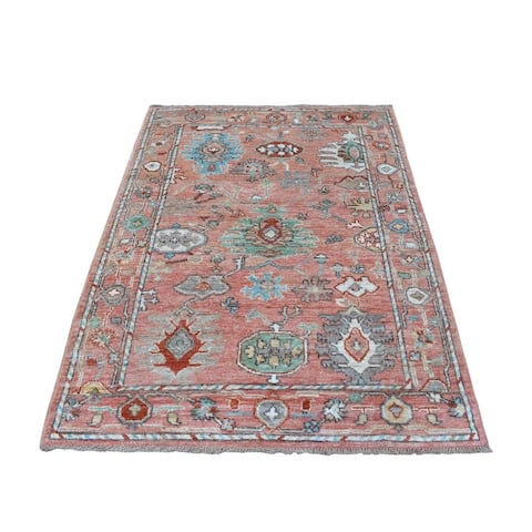 """Shahbanu Rugs Oushak Natural Dyes Wool Hand Knotted Pink In A Colorful Palette Oriental Rug (4'2"""" x 6'0"""") - 4'2"""" x 6'0"""""""