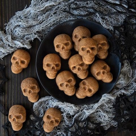 Nordic Ware Skull Bites Cakelet Pan