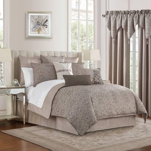 Waterford Patrizia Reversible 4PC. Comforter Set