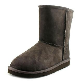 Ugg Australia Kids Classic Youth Round Toe Suede Brown Winter Boot|https://ak1.ostkcdn.com/images/products/is/images/direct/eb51d7843bcb29ffd97138114be722af11d67a96/Ugg-Australia-Kids-Classic-Youth-Round-Toe-Suede-Brown-Winter-Boot.jpg?impolicy=medium