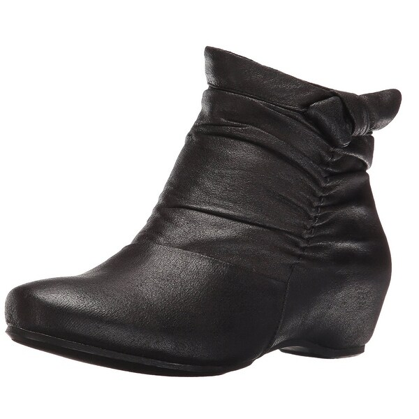 Bare Traps Womens SAKARI Closed Toe Ankle Fashion Boots