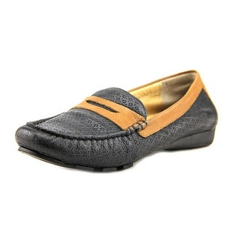 Vaneli Remy Women Round Toe Leather Loafer