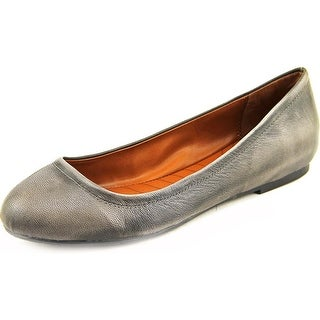 Mia Heritage Bea Round Toe Leather Flats