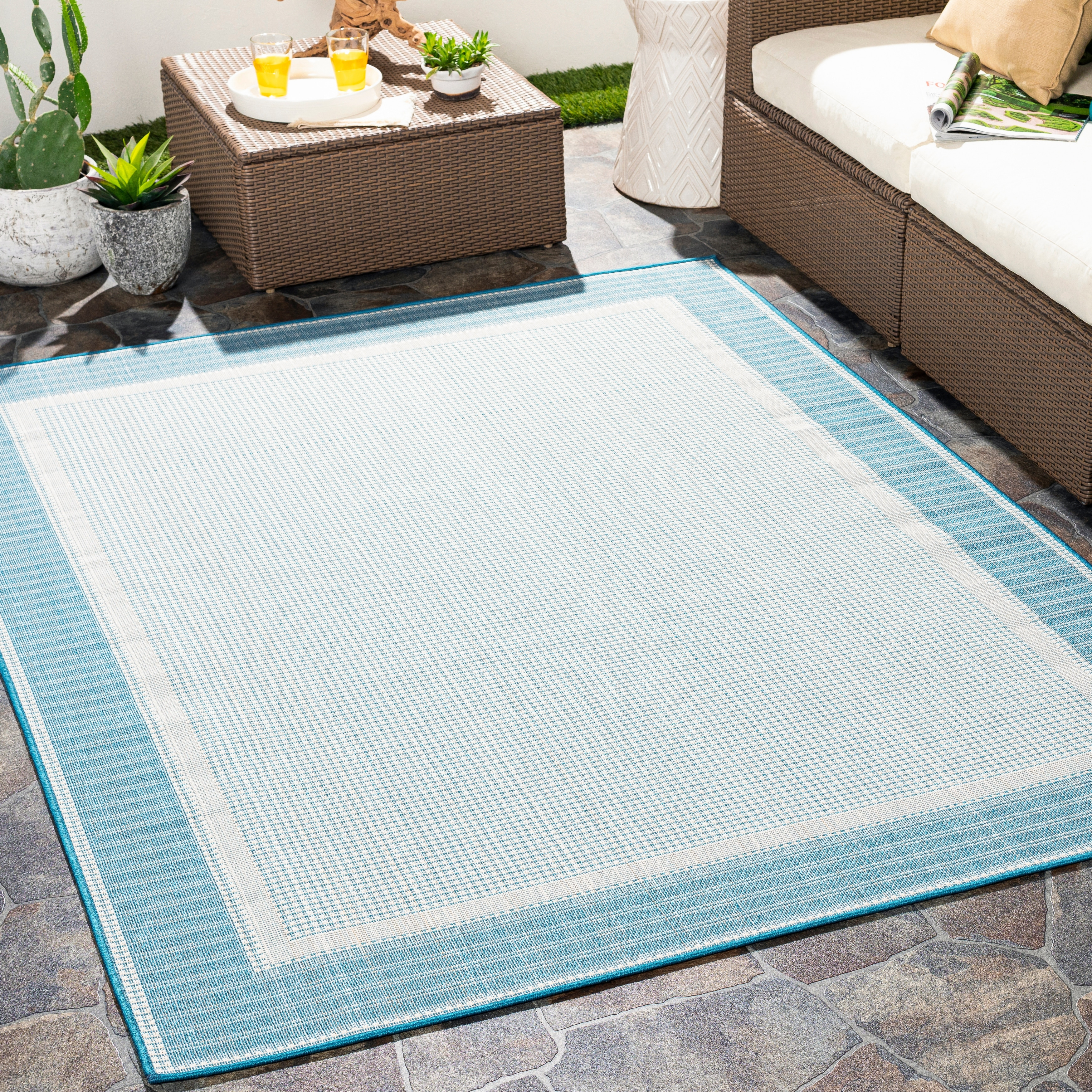 Shop For Tovar Indoor Outdoor Casual Border Area Rug Get Free Delivery On Everything At Overstock Your Online Home Decor Store Get 5 In Rewards With Club O 32261806