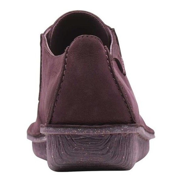 Shoe Aubergine Nubuck