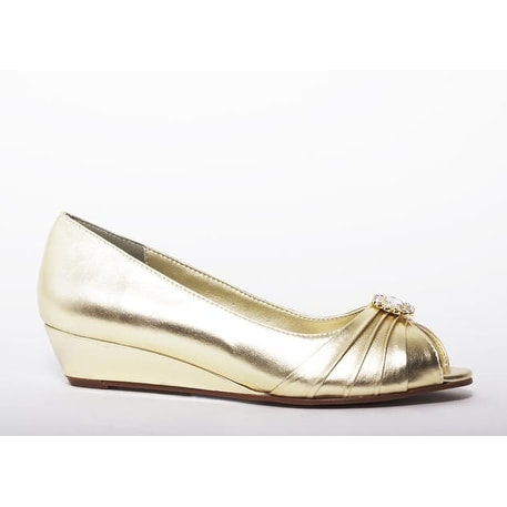 Shop Low Metallic Open Toe Wedge   Free Shipping Today   Overstock.com    16701791