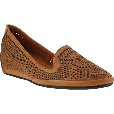 61293a52c Spring Step Women s Shondra Smoking Flat Camel Leather