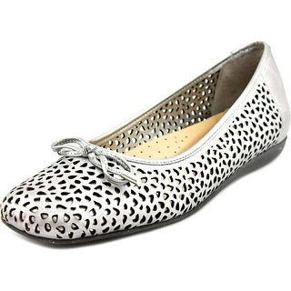 Trotters Sante Laser Women N/S Pointed Toe Leather Silver Flats