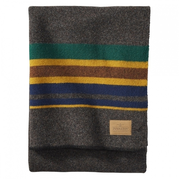 Pendleton Yakima Camp Oxford Queen Blanket. Opens flyout.