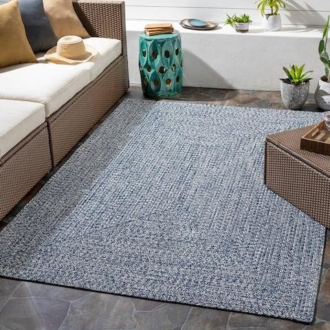 Sharrah Indoor/ Outdoor Solid Braided Area Rug