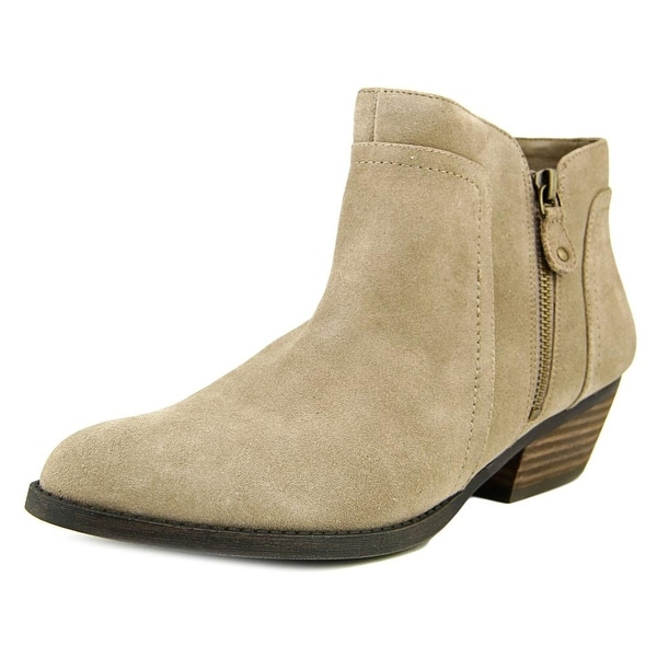 Nine West Shyenneo Round Toe Suede Ankle Boot