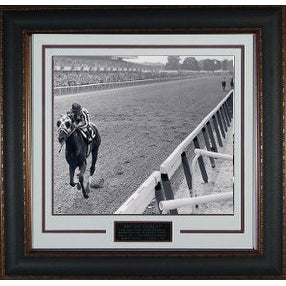 Secretariat unsigned 1973 Belmont Stakes Vintage B&W 11x14 Photo Leather Framed V Groove Matting Horse Racing