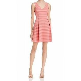Soprano NEW Coral Pink Womens Size XS V-Neck Pleated Sheath Dress
