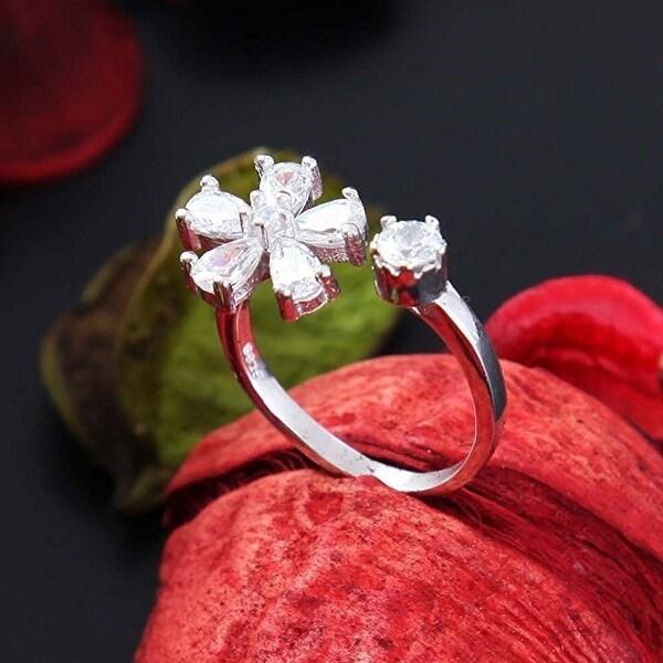 VECELO Modern 925 Sterling Silver Small Daisy Ring (silver)