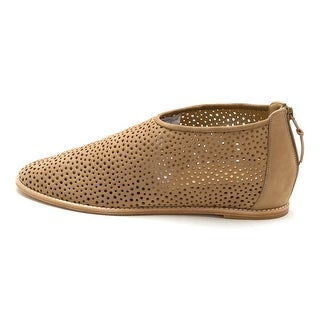 Stuart Weitzman Mens Mazing Closed Toe Slip On Shoes