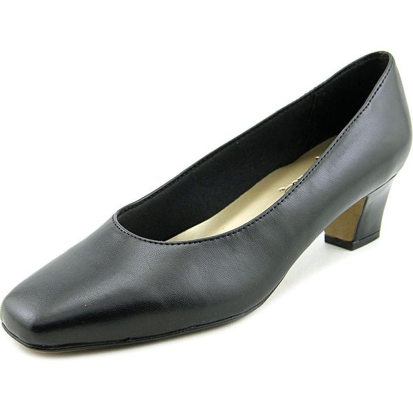 Life Stride Jade Women Black Smooth Pumps