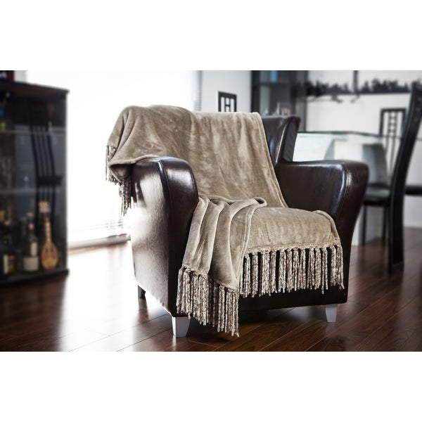 Gouchee Home Plush Throw Blanket. Opens flyout.