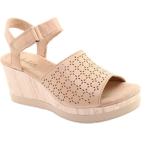 4e0bd7d7b44 Clarks Women  x27 s Cammy Glory Wedge Sandal Blush Perforated Leather