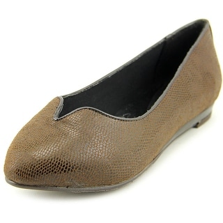 Soft Style by Hush Puppies Dillian Women 2E Pointed Toe Canvas Brown Flats