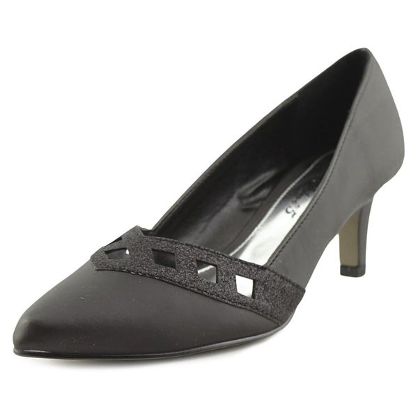 Easy Street Valiant Women BLK Pumps